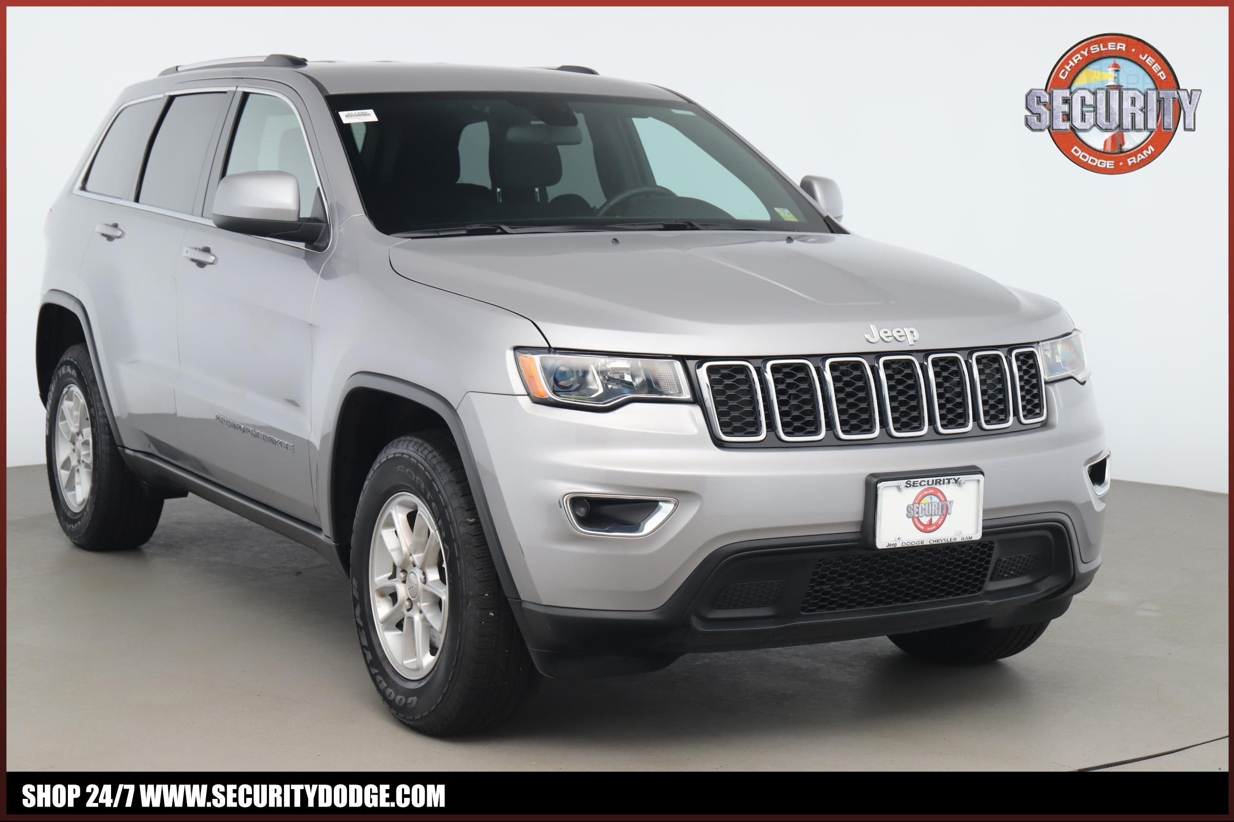 Certified Pre-Owned 2018 Jeep Grand Cherokee Laredo E 4x4