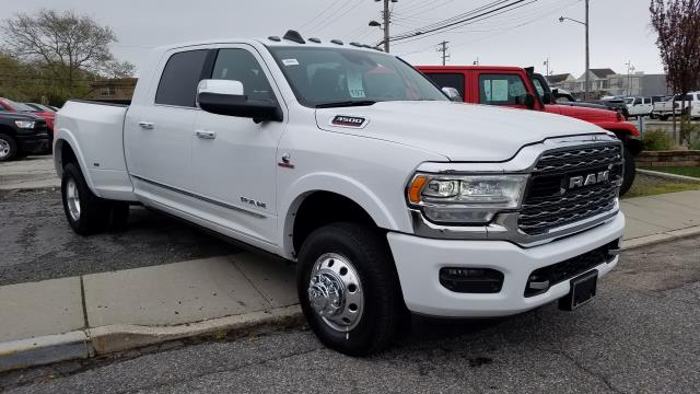 New 2019 RAM 3500 Limited 4x4 Mega Cab 6'4